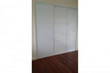 Frameless SuperWhite Glass Sliding Robe Doors